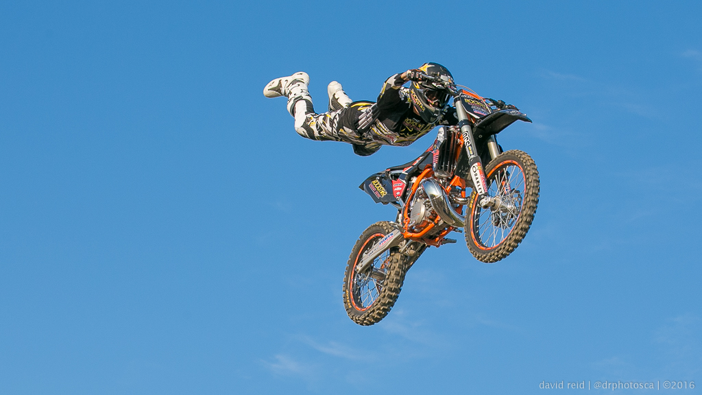What settings should you use for motocross photography?